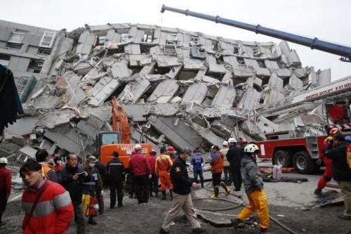 Động đất Đài Loan: 4 người Việt mắc kẹt ảnh 1