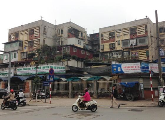 """Chung cư cũ đắt hơn penhouse: Khóc trên """"đống tiền"""" ảnh 1"""