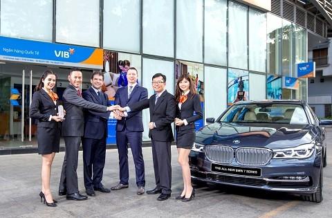 BMW-VIB ký thỏa thuận cung cấp dịch vụ tài chính ảnh 1