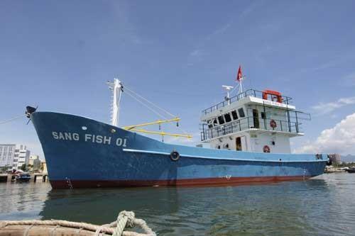 Tàu cá vỏ thép hỏng, ngư dân ngao ngán ảnh 1