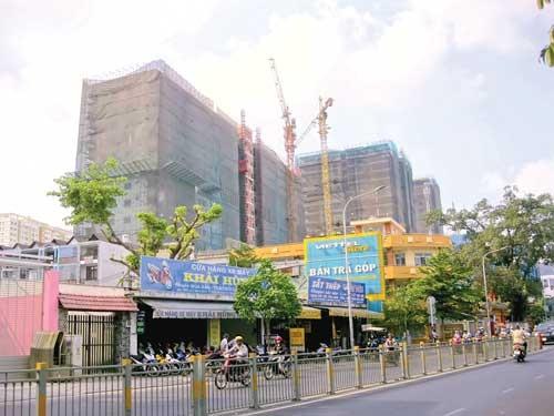 Quá tải hạ tầng (B1): Tân Phú dày đặc chung cư ảnh 1