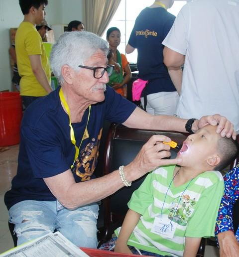 Phẫu thuật miễn phí 250 trẻ dị tật vùng mặt ảnh 1
