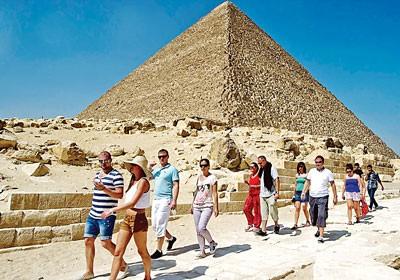 Du lịch Ai Cập đang lao đao lại gặp khó ảnh 1