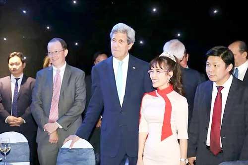 Những dấu ấn VietJet trong chuyến thăm Việt Nam của Tổng thống Hoa Kỳ Barack Obama ảnh 13