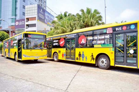 Xe buýt 5 sao chờ khách ảnh 1