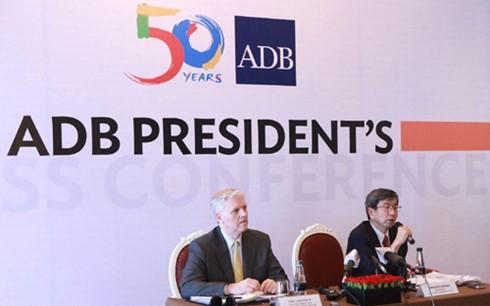 ADB: Chưa thấy doanh nghiệp tư nhân hỏi vay vốn ảnh 1