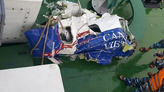 Thu được các vật thể, mảnh vỡ máy bay CASA-212 ảnh 2