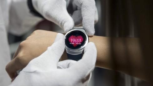 Thị trường đồng hồ thông minh ảm đạm ảnh 1