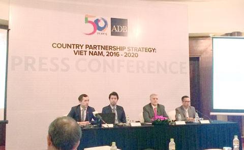 ADB cho Việt Nam vay 1 tỷ USD mỗi năm ảnh 1