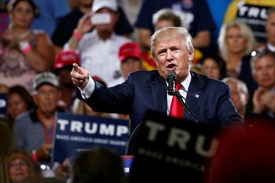 CK Hoa Kỳ giảm 8% nếu Donald Trump đắc cử ảnh 1