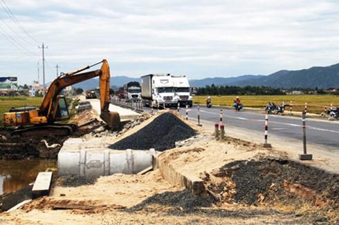 Nhiều nhà thầu giao thông chưa nộp tiền ngân sách ảnh 1