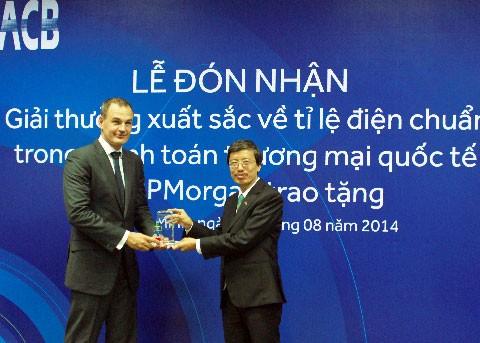 ACB nhận giải xuất sắc tỷ lệ điện chuẩn thanh toán quốc tế ảnh 1