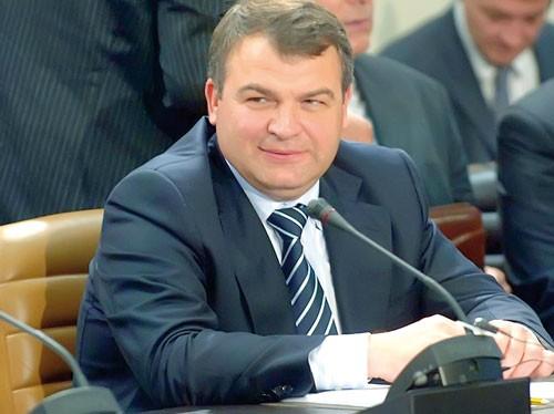 Anatoly Serdyukov-Tướng quân ngã ngựa ảnh 1