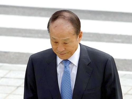 Anh trai tổng thống Hàn Quốc bị truy tố ảnh 1