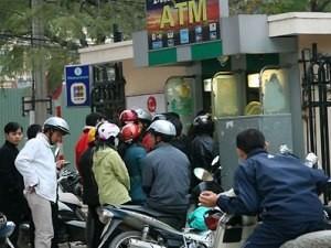 Quá tải máy ATM dịp tết: Thực tế khó tránh ảnh 1