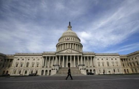 Hoa Kỳ tạm thoát đóng cửa chính phủ vào phút chót ảnh 1