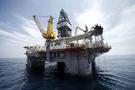 Giá dầu vượt ngưỡng 100 USD ảnh 1