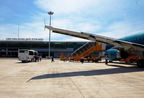 Sân bay Phú Quốc đón chuyến bay quốc tế đầu tiên ảnh 1