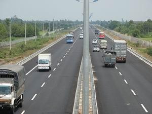 Thông xe, khai thác tạm đường cao tốc Hà Nội-Hải Phòng ảnh 1