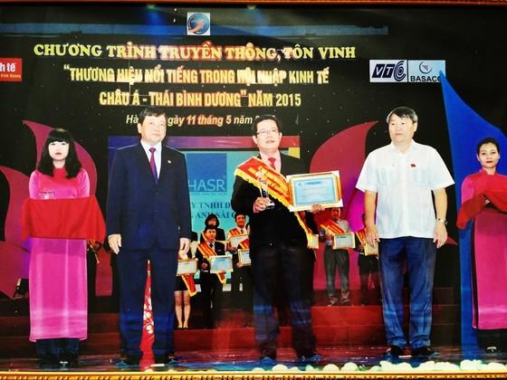 """50 DN nhận giải """"DN xuất sắc Châu Á-Thái Bình Dương"""" 2015 ảnh 1"""