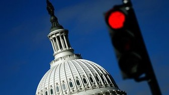 Hoa Kỳ hoãn áp dụng trần nợ đến tháng 3-2015 ảnh 1