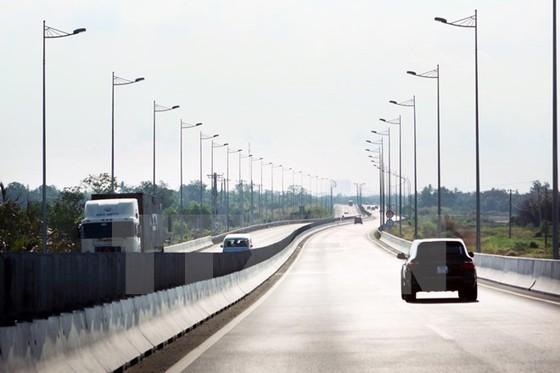 Khai thác 22km đầu tiên cao tốc hiện đại nhất Việt Nam ảnh 1
