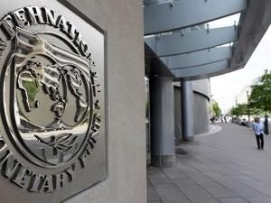 IMF hạ mức dự báo tăng trưởng kinh tế toàn cầu ảnh 1