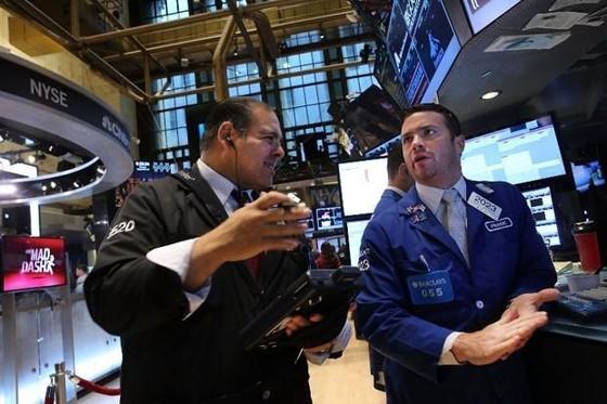 Vàng, CK đồng loạt giảm trước khả năng Fed tăng lãi suất ảnh 1
