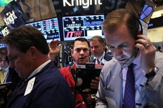 S&P 500 đảo chiều ngoạn mục ảnh 1