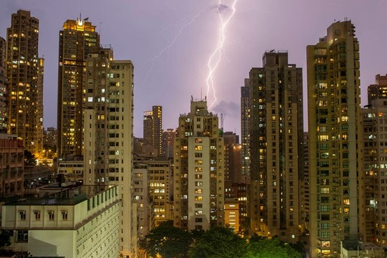 Giao dịch nhà ở Hồng Công sắp chạm mức thấp nhất 20 năm ảnh 1