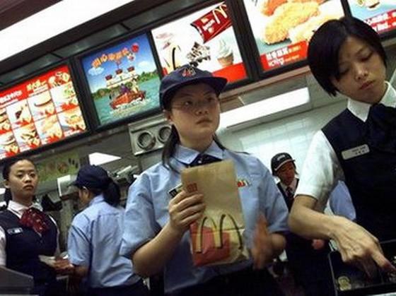 McDonald's lo ngại sau bê bối thịt bẩn ảnh 1