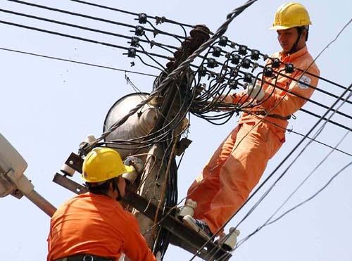 EVN lại muốn tăng giá điện 13% ảnh 1
