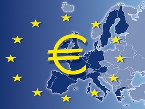 Pháp và Đức bất đồng vai trò cứu trợ của ECB ảnh 1