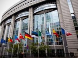 9 nước Eurozone bị S&P hạ bậc tín dụng ảnh 1