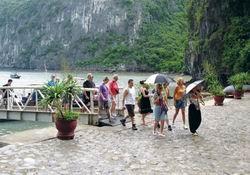 Quý I, khách quốc tế đến Quảng Ninh tăng 33% ảnh 1
