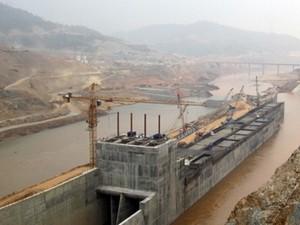 Ngăn sông Đà xây dựng thủy điện Lai Châu ảnh 1
