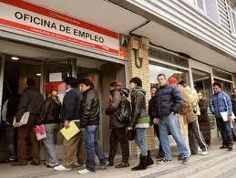 S&P hạ 2 bậc tín nhiệm nợ công Tây Ban Nha ảnh 1
