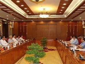 Bộ Chính trị cho ý kiến về phát triển KT-XH ảnh 1