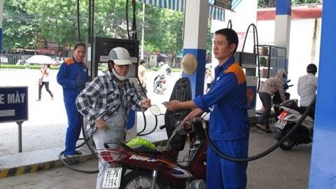 Xăng dầu lại kêu lỗ: Tăng giá và rối loạn? ảnh 1