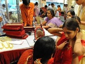 Ấn Độ giảm nhập khẩu vàng cuối năm ảnh 1