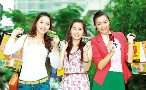 Tận hưởng ưu đãi với thẻ HDBank Visa ảnh 1