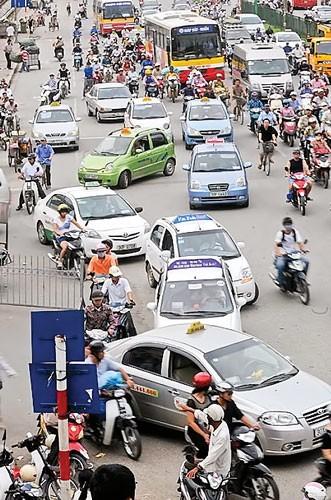 TPHCM: Loạn taxi dù, nhái nhãn hiệu ảnh 1