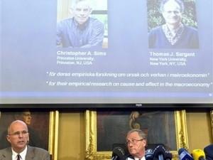 Nobel Kinh tế 2011 về tay 2 nhà kinh tế Hoa Kỳ ảnh 1