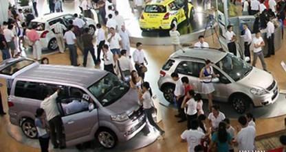 Ô tô VN đắt hơn khu vực 300 triệu đồng/xe ảnh 1