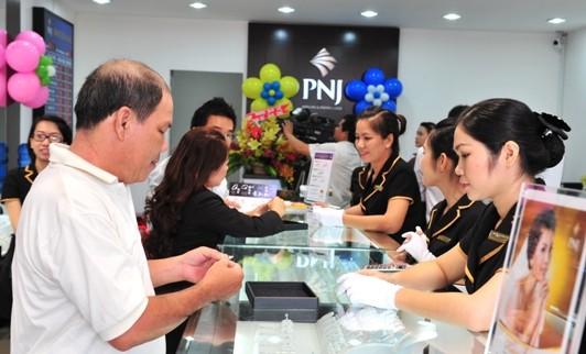 PNJ vượt chỉ tiêu lợi nhuận năm trong 10 tháng ảnh 1