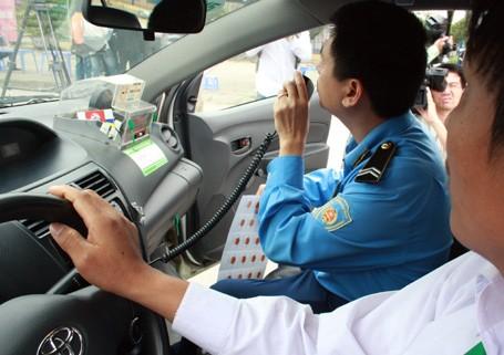 Hà Nội: Hàng loạt hãng taxi sai phạm ảnh 1