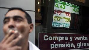 Argentina thắt chặt kiểm soát tiền tệ ảnh 1