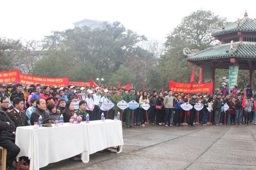 TT-Huế: 2.000 thanh niên làm sạch môi trường ảnh 1
