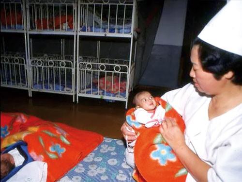 KT Triều Tiên 3 đời họ Kim (kỳ 2): Gượng dậy từ đói kém ảnh 1