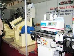 Việt Nam nhập khẩu 80% trang thiết bị y tế ảnh 1